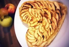 cuisine tarte aux pommes tarte aux pommes facile la recette facile par toqués 2 cuisine