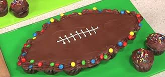 How To Make Cake Decorations How To Make A Football Shaped Pull Apart Cake Cake Decorating