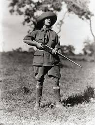 Clothes To Wear On A Safari Vintage Photographs Reveal Martin And Osa Johnson U0027s Journey From