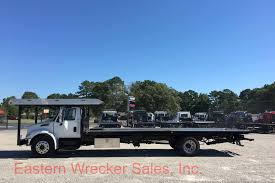 2004 international 4400 with 28 u0027 jerr dan multicar hauler