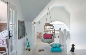 Kate Jackson Interior Design A Dreamy New England Beach House With Seaside Views One Kindesign
