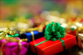 what are great christmas gift ideas for young employees holiday
