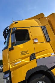 renault yellow renault sunkvežimis formulės 1 renault komandai trucker lt