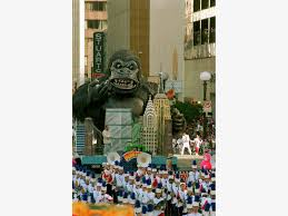 ring in the s at houston s heb thanksgiving day parade