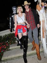 Blonde Wig Halloween Costume Emma Roberts Covers Cosy Rosy Jumper Racy Pretty