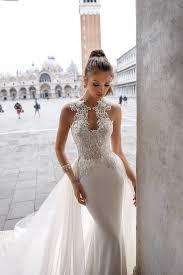 Wedding Dress Trend 2018 We U0027re Obsessed With Julie Vino U0027s Spring 2018 Bridal Collection