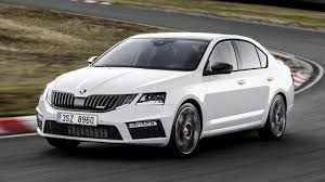 2017 skoda octavia rs facelift brings the same odd headlights