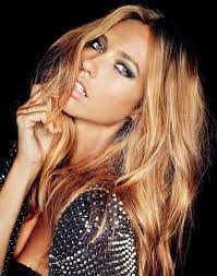 blonde hair with caramel lowlights 80 caramel hair color ideas for all hair types of caramel blonde
