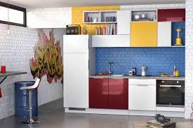 une cuisine équipée petit budget originale et colorée découvrez