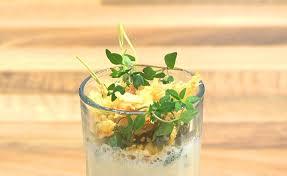 molekularküche molekular küche petersilienschaumsuppe mit chips und thymian