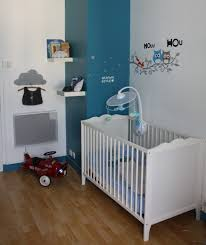 peinture chambre bébé garçon chambre bébé bleu canard et blanc