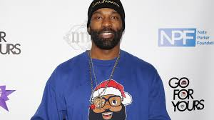 baron davis adds a bit of color to with the black santa