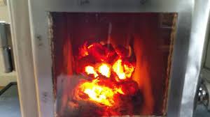 briketten rocket heater batch box 1 uur 50 minuten youtube