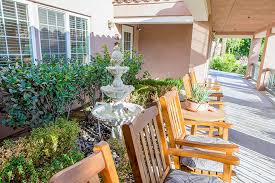 Patio Doctor Palm Springs Brookdale Palm Springs Senior Living And Memory Care In Palm