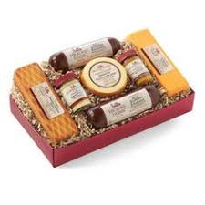 wisconsin cheese gifts wisconsin s best and wisconsin cheese company summer sausage
