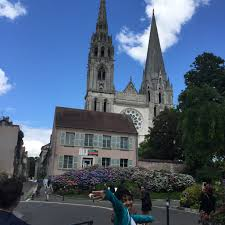 bureau de change chartres chateaus in the loire valley chartres cathedral and at
