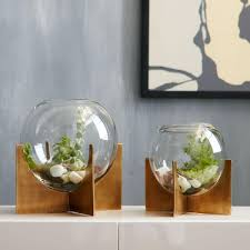 round out your indoor garden with the modern shape of our cross