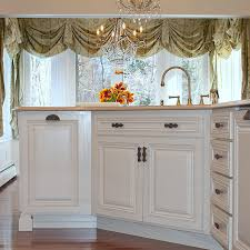 what hardware for white kitchen cabinets what hardware goes with white cabinets notting hill