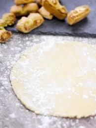 emploi cuisine suisse les 25 meilleures idées de la catégorie petit suisse sur