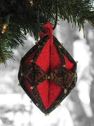 use up the tiniest bits of fabric in a trio of two color ornaments