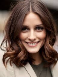 collarbone length wavy hair medium hairstyles the ultimate medium haircuts guide