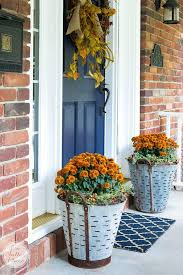 How To Decorate Your House For Fall - best 25 fall mums ideas on pinterest fall entryway decor front