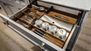 rangements tiroirs et armoires pour cuisines et salles de bain