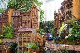 Train Show Botanical Garden by 10 Gardens That Glitter With Holiday Lights Garden Destinations