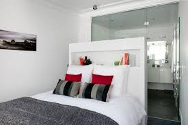 chambre avec salle de bain decoration pour chambre 1 chambre blanche et grise avec