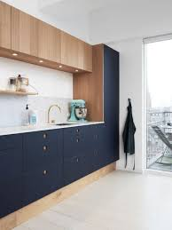 29 two toned kitchen cabinet ideas to try comfydwelling com
