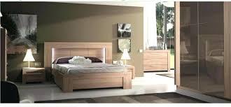 chambre contemporaine design chambre bois massif contemporain lit simple bois massif lit bois
