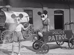 black and white vintage halloween images pin by minnie u003e u003cterror on bad mickey pinterest mickey mouse