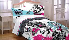 Monster High Bedroom Accessories by Amazon Com 4pc Monster High Full Bed Sheet Set Freaky Fashion