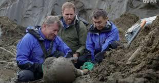 watch scientists dna ancient extinct beast