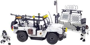 call of duty jeep mega bloks call of duty arctic invasion building set amazon co uk