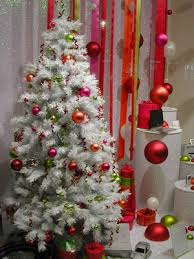 White Christmas Tree With Decorations by White Christmas Tree With Red And Green Decorations Most Stunning