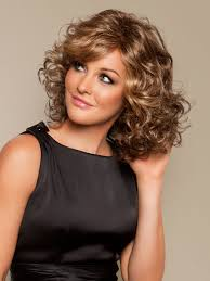 hairstyles for thick hair and heart face short wavy haircuts for heart shaped faces hair