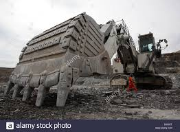 crawler excavator stock photos u0026 crawler excavator stock images