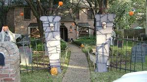 Backyard Haunted House Ideas 14 Projects To Make The Ultimate Diy Haunted House