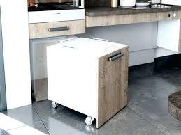 cuisine sur roulettes meuble a cuisine agrandir un meuble de cuisine astucieux a