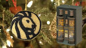 20 must bookish ornaments for your literary tree