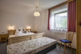 Schlafzimmerm El Bio Haus Paxer Martin Brandauer Walchsee