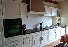 repeindre sa cuisine rustique relooker une cuisine rustique cuisine en ma cuisine repeindre une