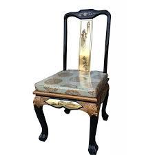 chaise dorée chaise laquée chinoise en bonnet de lettré meuble chinois laqué