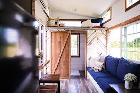 lamon luther u0027s tiny house giveaway raises funds to hire homeless