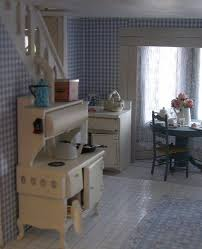 dollhouse furniture kitchen 38 best dollhouse restoration images on dollhouses