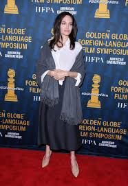Angelina Leg Meme - angelina jolie at the hfpa and american cinematheque 2018