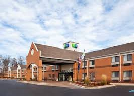 Comfort Inn And Suites Fenton Mi Top 10 Hotels In Fenton Michigan Hotels Com
