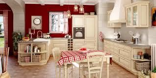 cuisines traditionnelles le charme d une cuisine d antan grâce aux couleurs provençales et au