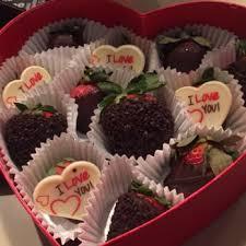edible deliveries edible arrangements 11 photos 15 reviews gift shops 10225
